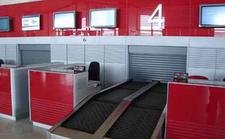 System shutters for luggage